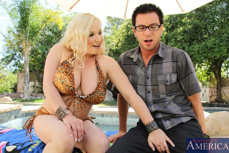 Latina Big Tits Big Ass