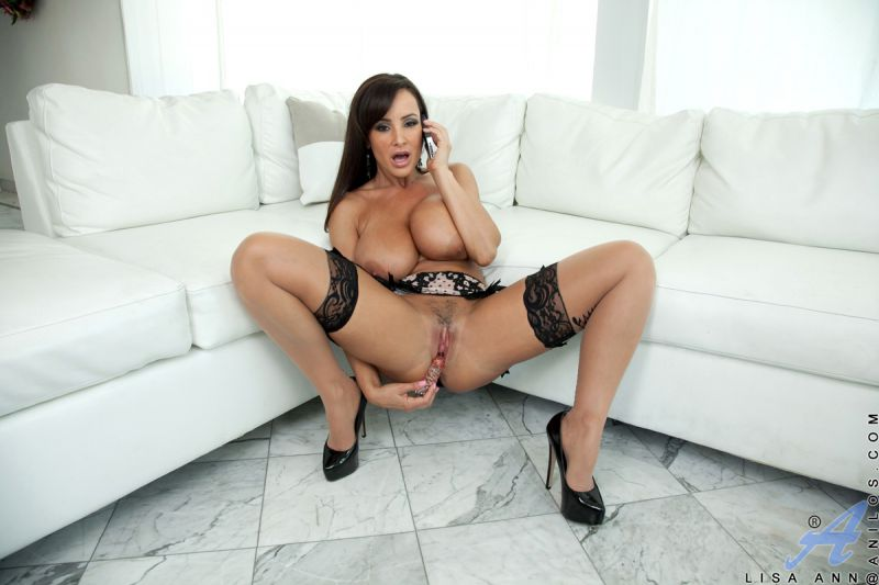 Lola makes herself cum in a tight pair of pantyhose 9