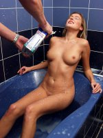 Blonde big breasted chick getting kinky with milk on tubbath