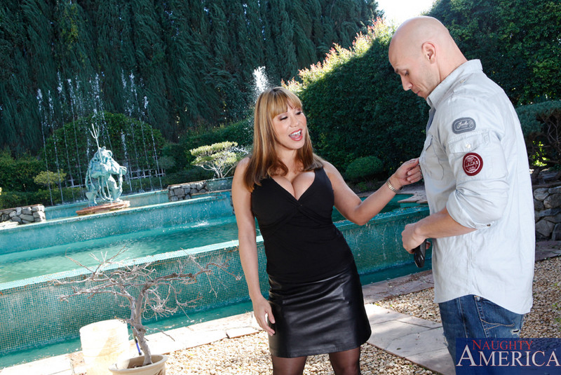 Erotismo Ava devine seduced by a milf love