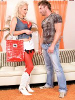 Sharon Pinks Pussy. Its Whats For Lunch – Big Tits,  Blowjob,  Cumshot