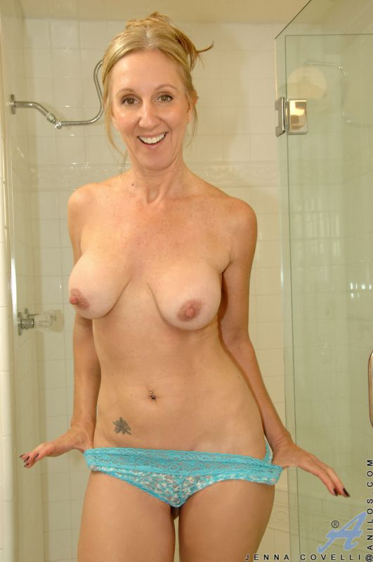 Naked blonde boobs landing strip