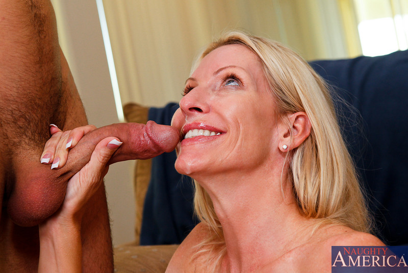 Face and Emma starr deepthroat the
