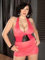 Nipple-Pierced Knockernaut – Big Tits,  Natural Boobs